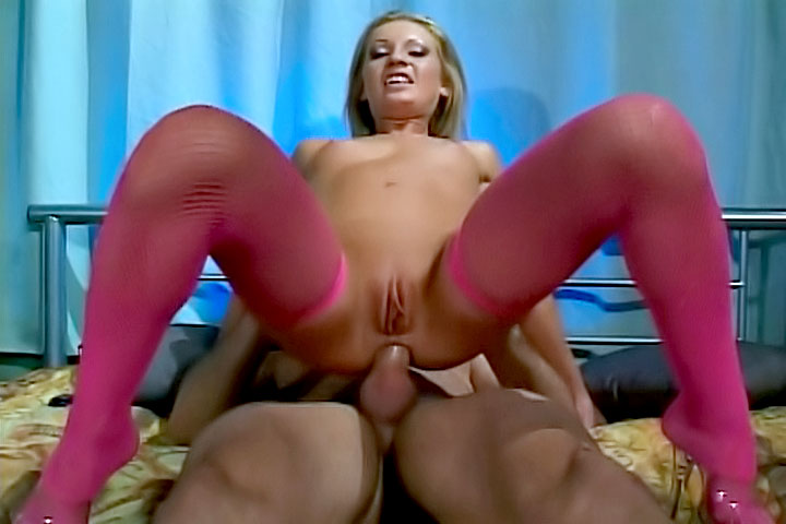 Cameron James is a nasty babe who always want to ride some cock for the only reason to get a huge load at the end. See her being anal pounded and pussy fucked!