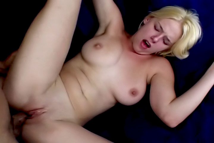 Natural boobies lady Missy Monroe knew how to wake this guy. She has some special skills like blowing and riding like a goddess!