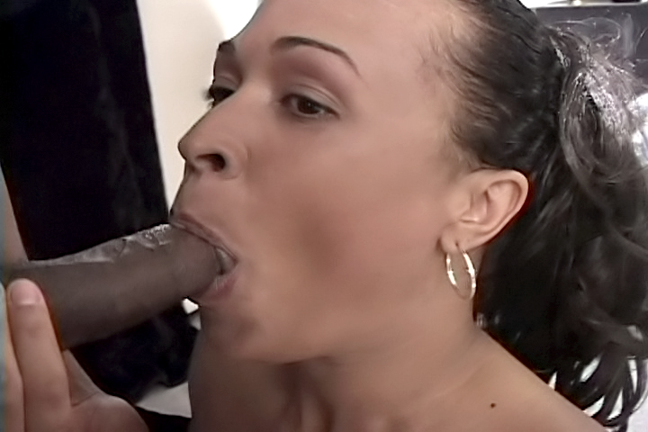 Shalena loves to return the favor, so after the guy ate her pussy good, she kneels down and opens her mouth to receive his big cock in her mouth!
