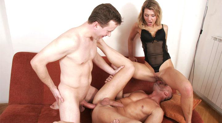 Kristi est entre bonnes mains avec ces 2 gars. qu'ils puissent prendre soin les uns des autres ainsi que, aussi!