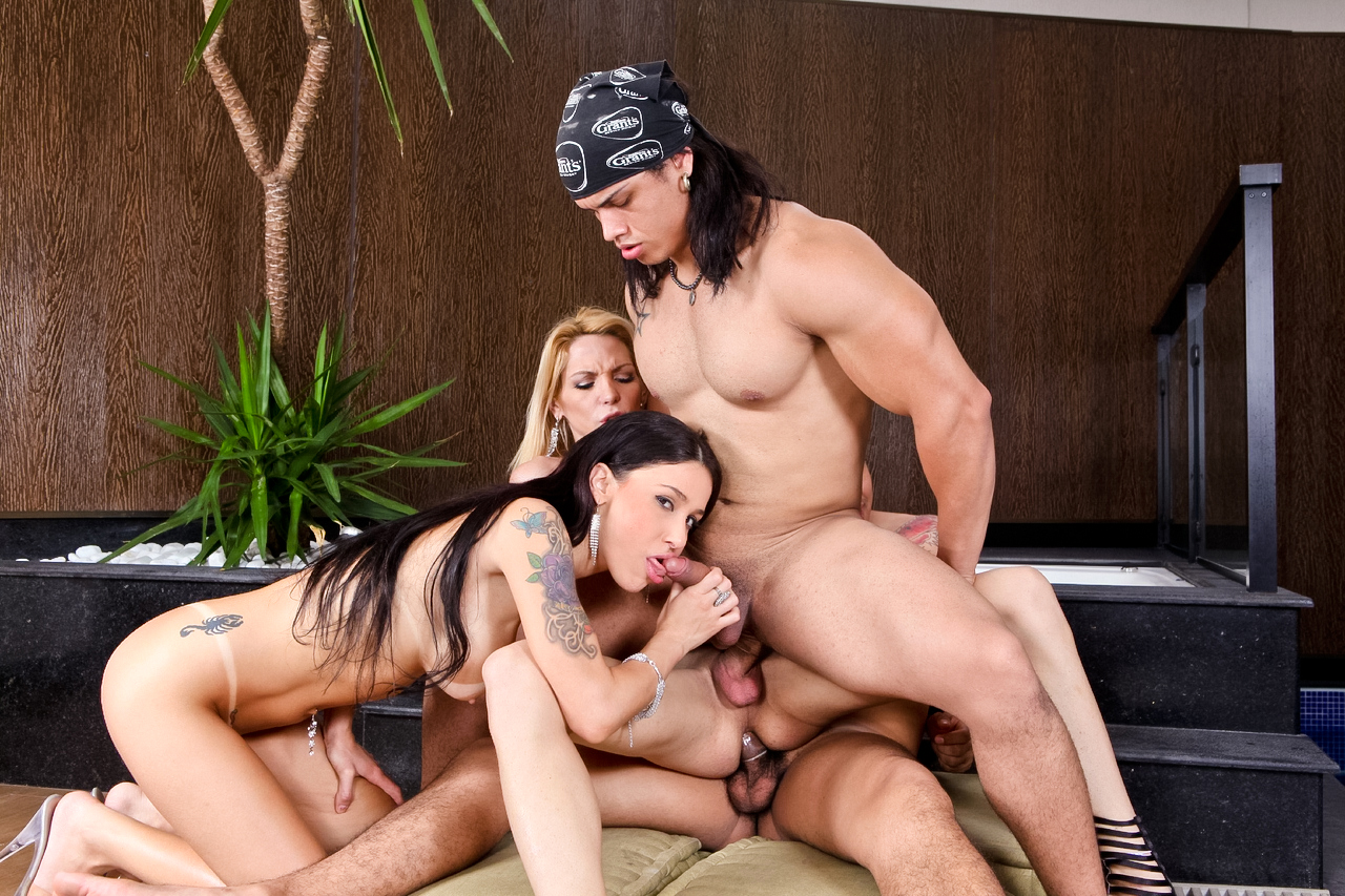 Bi-sexual tranny cock party!...