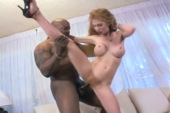 Red head slut squirts!...
