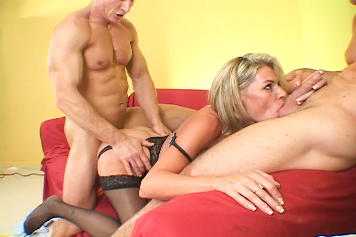 Mature blonde in threesome act...