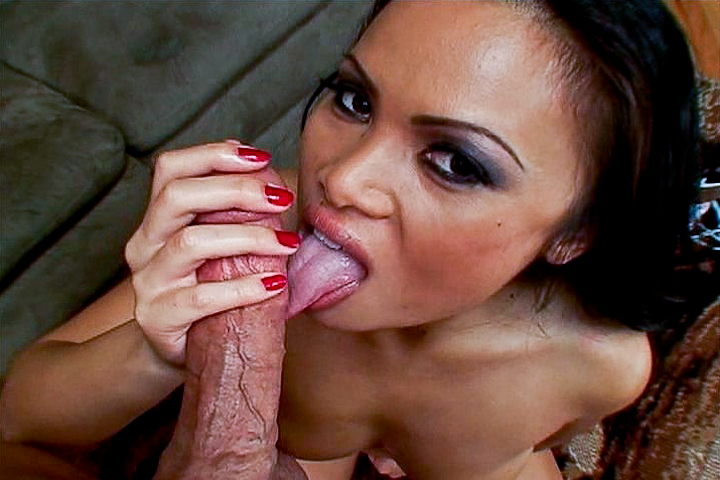 Asian milf fucked in the livin...
