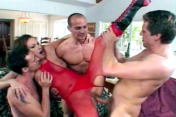 Fetish gangbang in the livingr...